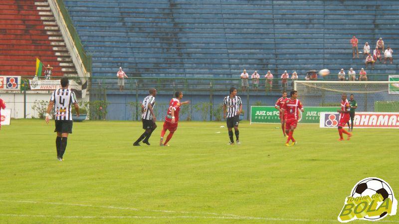 Lance de Tupi x Tombense, primeiro jogo oficial do Tupi em Juiz de Fora na temporada: equipe encara sequência pelo Mineiro e pela Copa do Brasil