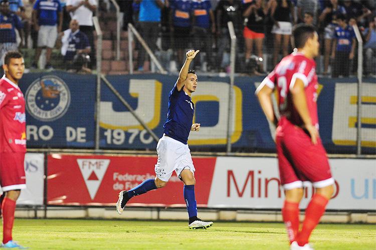 Damião foi destaque na partida com seus dois primeiros gols com a camisa celeste