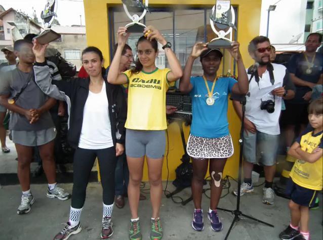 Pódio com as três melhores no feminino em Barbacena