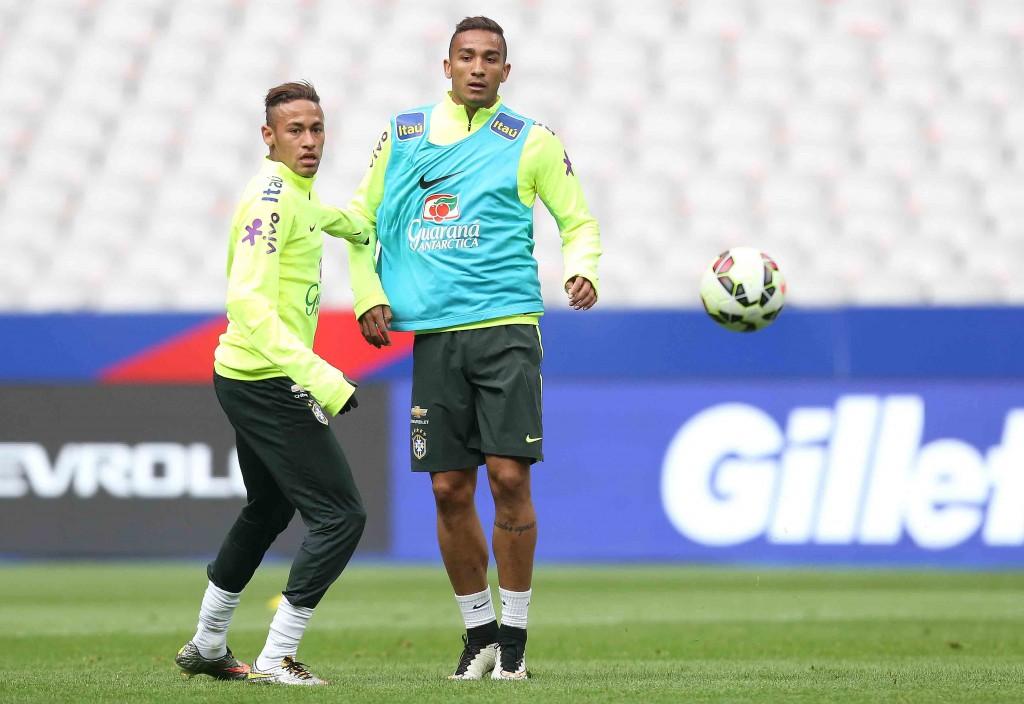 Danilo, agora do Real Madrid, jogará clássico espanhol contra Neymar, do Barcelona. (Foto: Rafael Ribeiro/CBF)