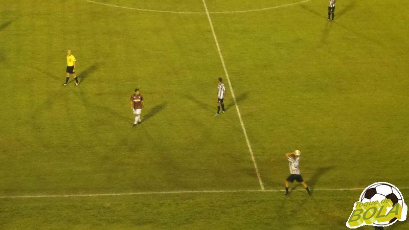 Mesmo priorizando setor defensivo, Bruno Ré quase marcou seu gol
