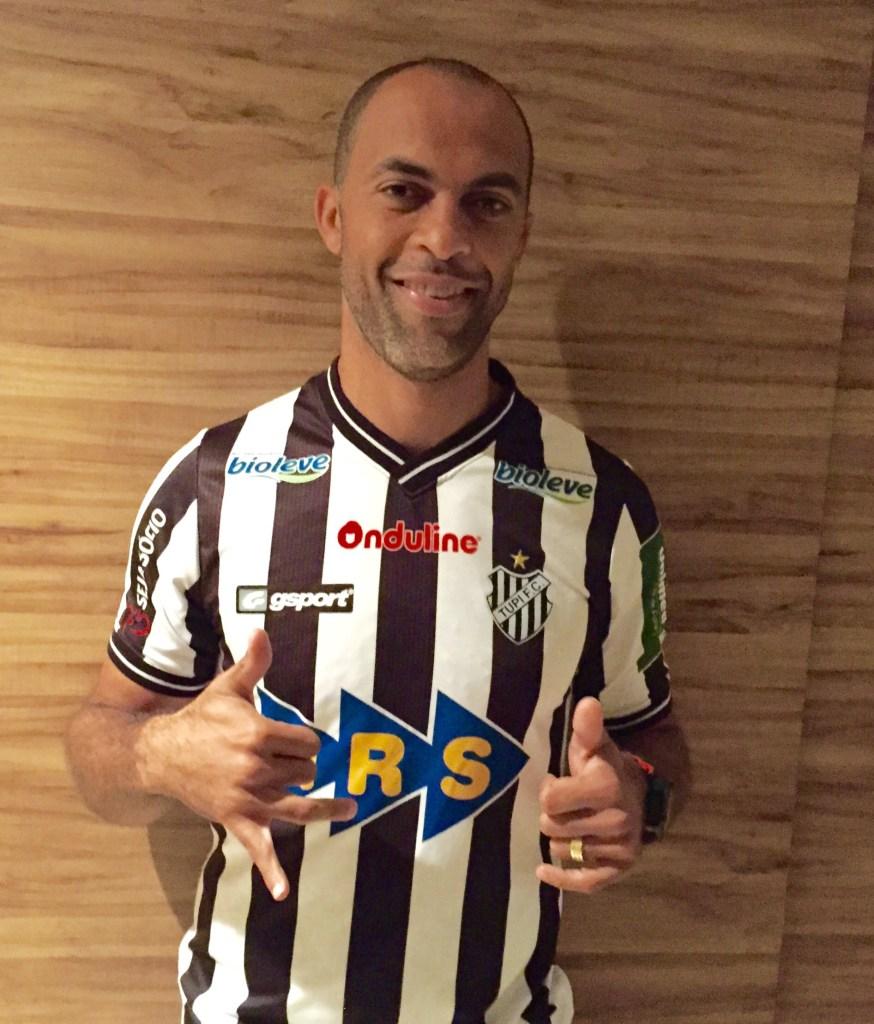 Leandro Euzébio já vestiu a camisa alvinegra. Contratação foi anunciada oficialmente nesta sexta-feira, 19