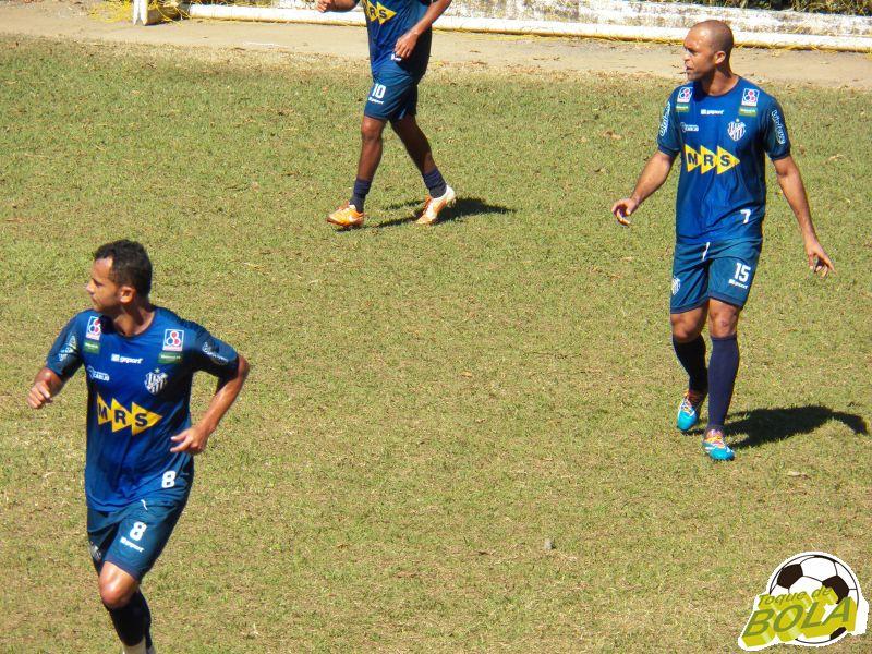 Fabrício Soares e Leandro Euzébio formarão dupla de zaga do Tupi pela segunda vez consecutiva na competição