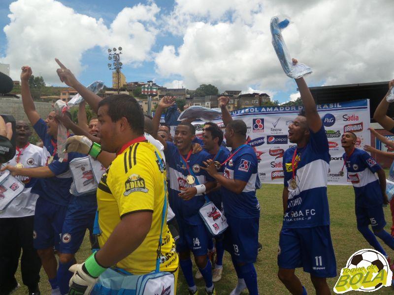 Festa do Oba-Oba, campeão adulto da Copa Prefeitura Bahamas de Futebol Amador 2014 (foto: Arquivo Toque de Bola)