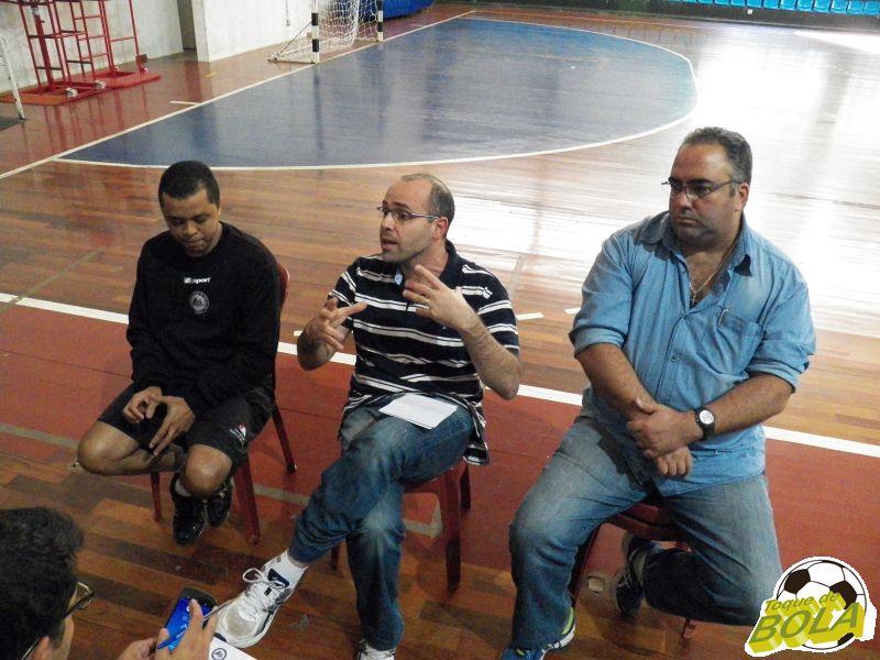 Da esquerda para a direita, técnico Alessandro Fadul, diretor Maurício Bara Filho e Supervisor Heglison Toledo