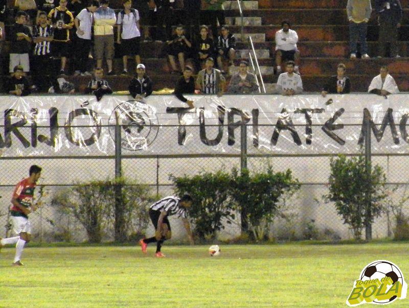 Felipe Augusto levou perigo ao gol da Portuguesa em jogadas pela esquerda de ataque