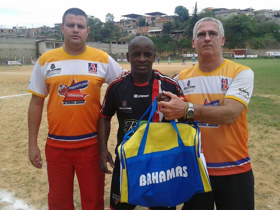 Reginaldo, da equipe Supermaster do Uberabinha, entra para a história da Copa com o gol mil da edição 2015 (Foto: Bahamas)
