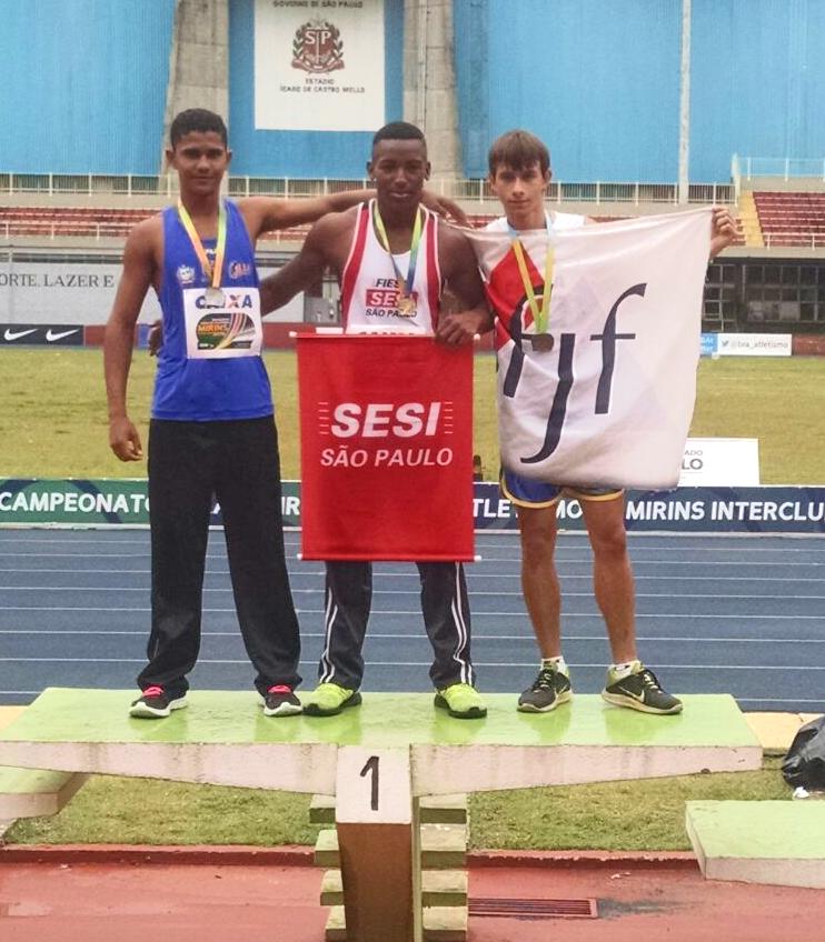 Lucas Dias ficou com o bronze nos 70m rasos (Foto: Jeferson Verbena)