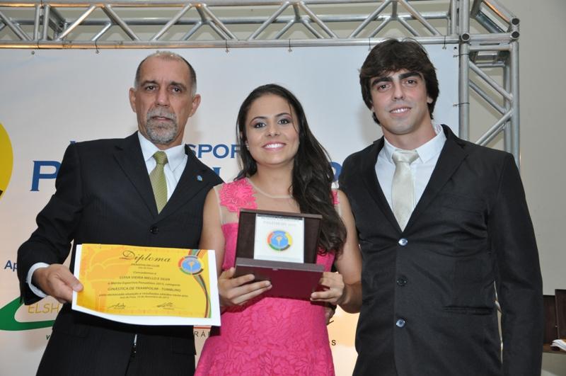 No Mérito Esportivo Panathlon 2015, o presidente do clube, Cláudio Esteves, a atleta Luisa Vieira e Thiago Romão