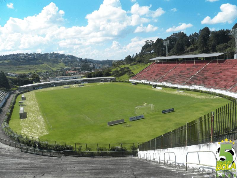 Estádio Municipal Radialista Mário Helênio passa pela segunda de três etapas de obras na maior reforma desde sua inauguração