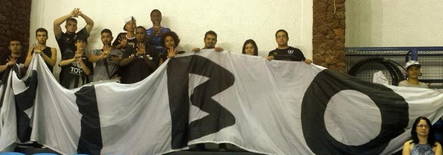 Torcida organizada do Tupi, Tribo Carijó não parou de apoiar a equipe local um minuto no ginásio da UFJF