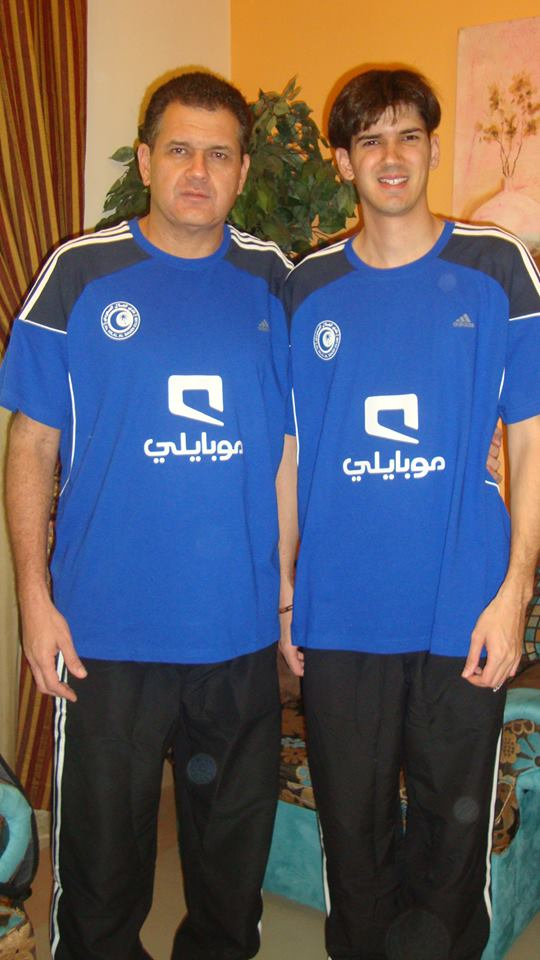 Flávio Thiessen (a esquerda) já trabalhou como técnico na Arábia Saudita (Foto: Divulgação)
