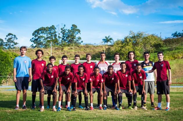 Equipes são formadas por jovens de bairros adjacentes à Universidade e de outras áreas de Juiz de Fora e Região (Foto: Caíque Cahon)