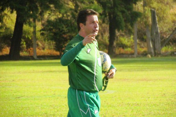 Gian Rodrigues, técnico da Caldense, está preocupado com o desgaste dos atletas (Foto: Divulgação)
