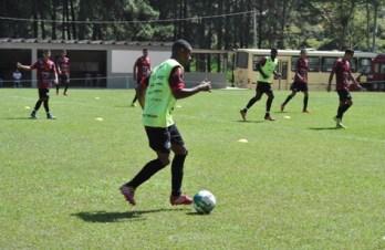 A caminho da Série B: Tupi faz jogo-treino e apresenta goleiro e lateral