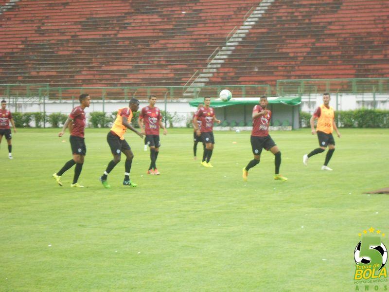 Jogadores trabalharam na manhã deste sábado, 7, no Estádio Municipal Radialista Mário Helênio