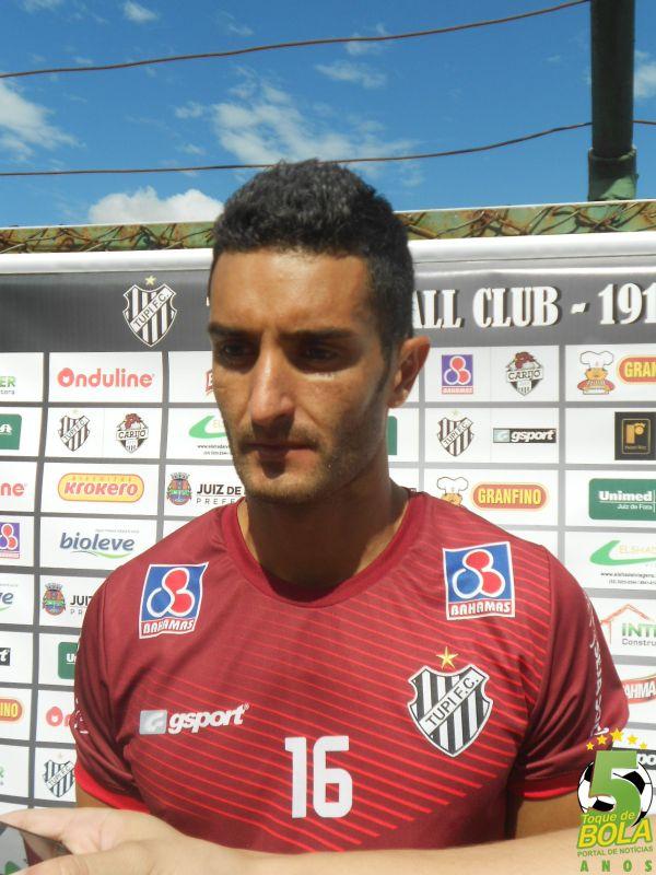 Sacilotto começa jogando uma partida pela primeira vez com a camisa carijó