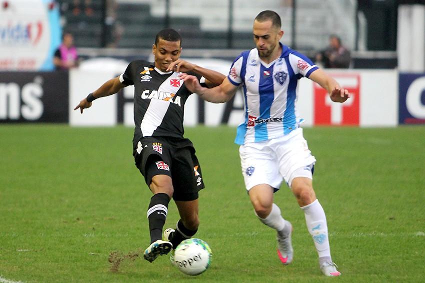 Vasco perdeu para o Paysandu por 2 a 0 em São Januário