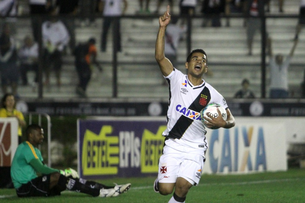 Vitória do Vasco foi importante para o Tupi, uma vez que o Bragantino é concorrente direto na parte de baixo da tabela