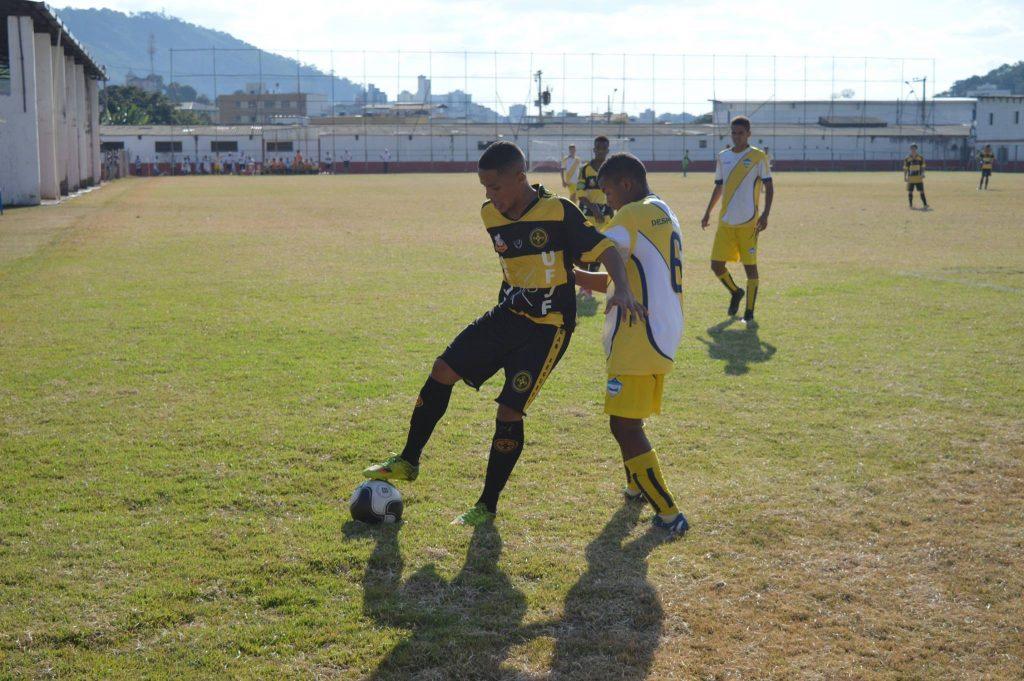 Uberabinha-UFJF em da partida do sub-17 no campo do Tupynambás