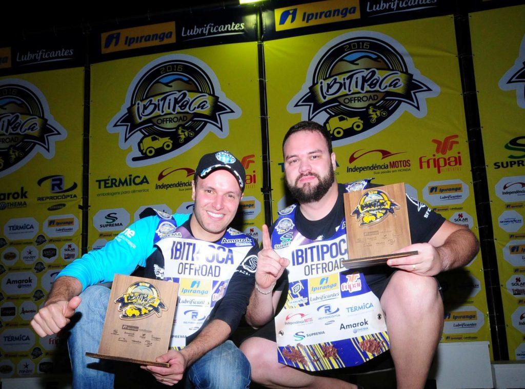 Navegador Rodrigo Peternelli e piloto Marcos Leal: dupla campeã na categoria Carros Graduados do 27º IOR