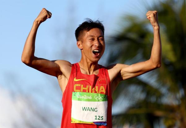 Após treinos em Juiz de Fora, Wang Zhen ficou com a medalha de ouro na marcha atlética