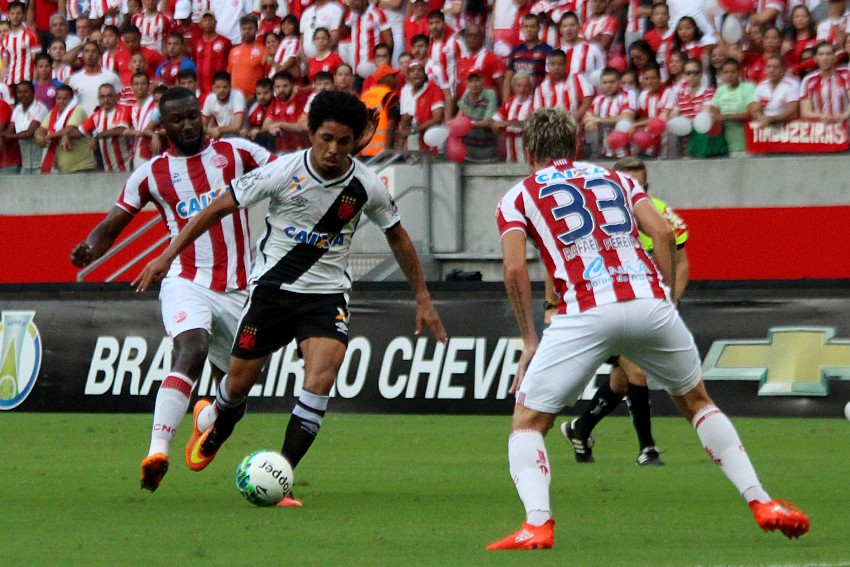 Em casa, Náutico derrotou o Vasco por 3 a 1 na tarde de sábado