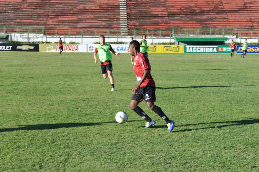 Tupi treinou à tarde no Estádio Mário Helênio, pouco depois do anúncio da contratação do novo treinador