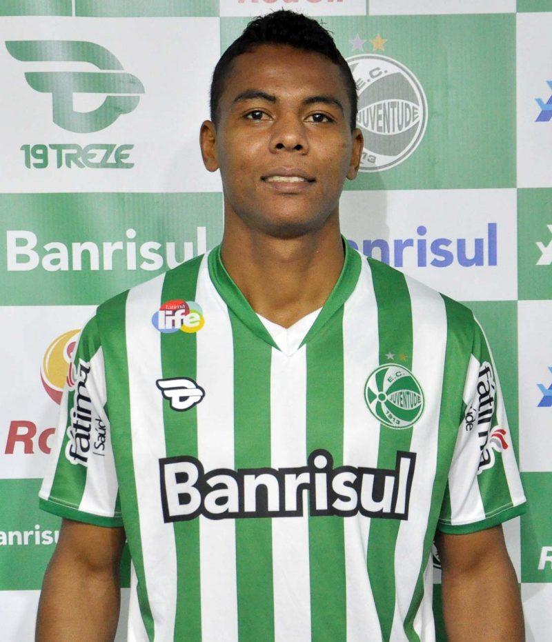 Carlinhos teria sido inscrito de maneira irregular (Foto  Site Oficial do  Juventude) e78caa363ffa3