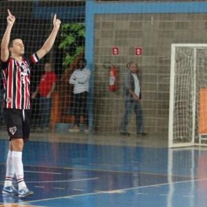 Leo defendeu o São Paulo em 2014