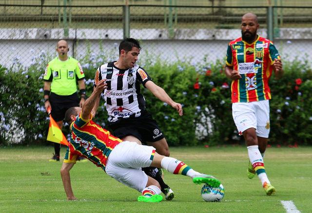 Sampaio Corrêa jogou com raça, mas com pouco técnica. Time segue na lanterna da Série B