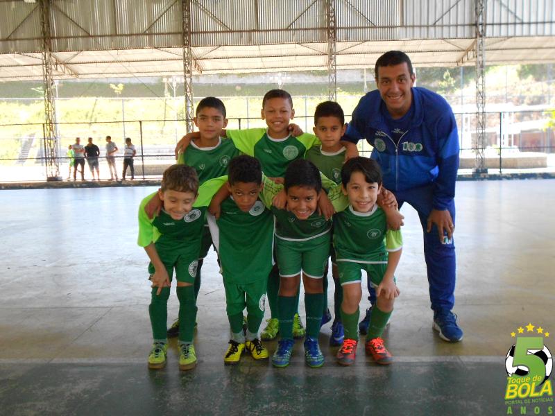 Rodrigo Coimbra, treinador das equipes de base de futsal do Sport Club juiz de Fora na Copa Toque de Bola, integra o projeto de Danilo Luiz em Bicas