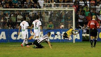 """Especial Toque: um ano do acesso carijó. Kaio Wilker sobre gol em Arapiraca: """"Histórico"""". Veja sequência de fotos"""