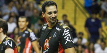 Primeiro adversário do JF na Superliga, Brasil Kirin cai para o Sesi no Paulista. Mauricio Sousa é destaque no elenco
