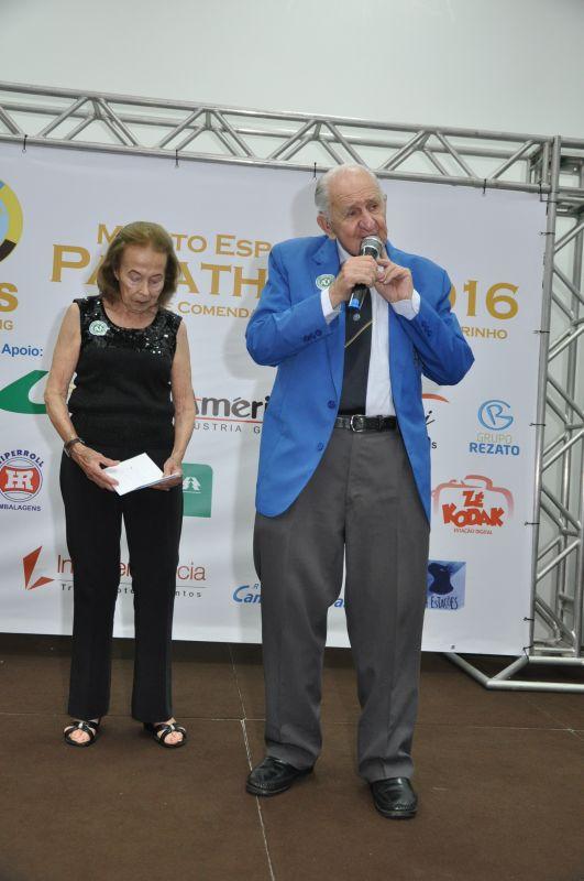 Henrique Nicolini e a esposa Lillian: o texto de um dos principais nomes do Panathlon no Brasil e no mundo destacou a trajetória de Carlos de Campos Sobrinho