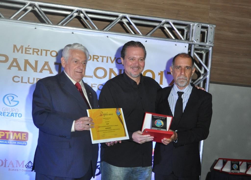 Fernando Pacheco Paranhos (Panathlon), Carlos Dias (ADJF Handebol) e Cláudio Esteves (Panathlon)