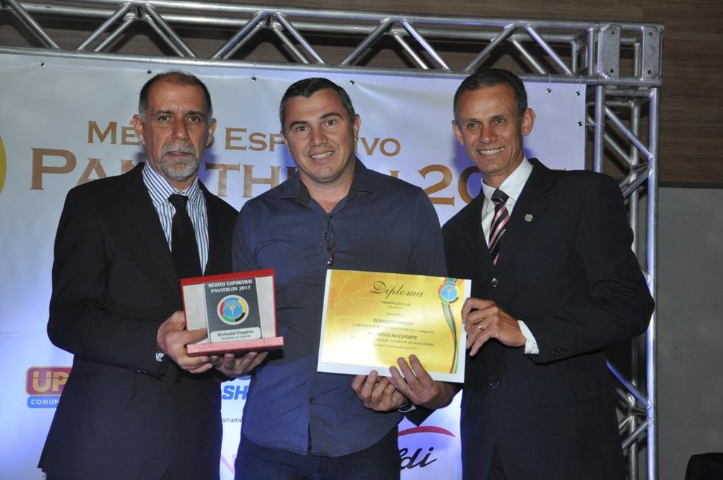Cláudio Esteves, José Miguel de Carvalho (ElShadai Viagens e Turismo - Incentivo ao Esporte) e Francisco Carlos de Oliveira (Panathlon Club JF)