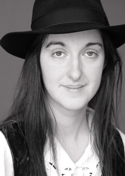 Frances Hardinge Answers Five Questions about A Face Like Glass