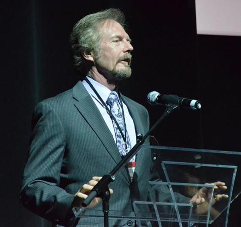 Michael Whelan presenting the Lifetime Achievement award.