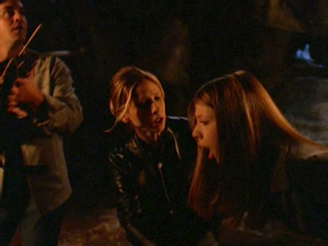 Buffy the Vampire Slayer, Same Time Same Place, Dawn