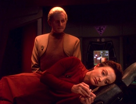 Deep Space Nine, The Darkness and the Light, Kira, Odo