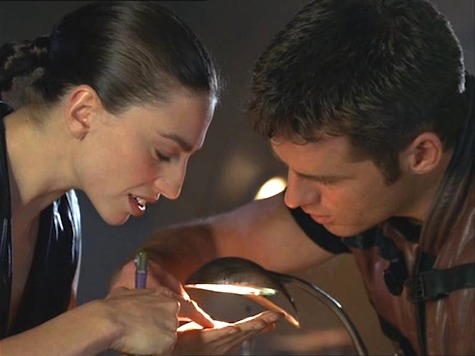 Farscape, The Locket