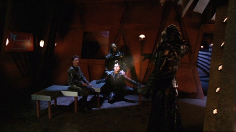 Farscape, We're So Screwed I: Fetal Attraction, Crichton, Jenek