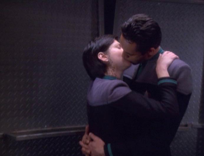 Star Trek Deep Space Nine Rewatch The Dogs of War Bashir Dax kiss