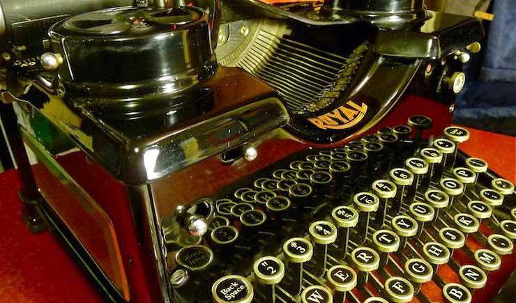 Durbin-Typewriter05