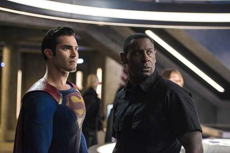 "Supergirl 2x01 ""The Adventures of Supergirl"" television review"