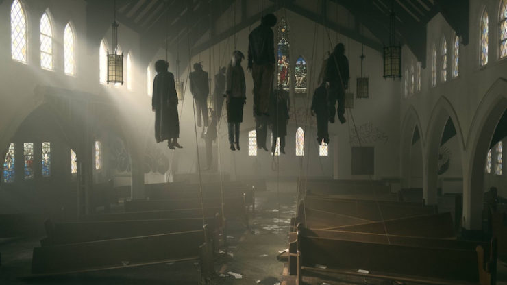 """The Handmaid's Tale 107 """"The Other Side"""" Luke corpses church"""