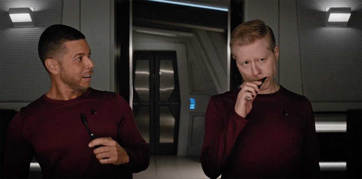 """This is so f***ing cool!"""" — Star Trek Discovery's """"Choose Your Pain"""