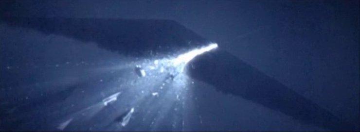 Amilyn Holdo lightspeed The Last Jedi sacrifice love Star Wars universe