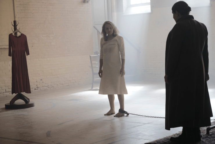 "The Handmaid's Tale 204 ""Other Women"" television review giving up"